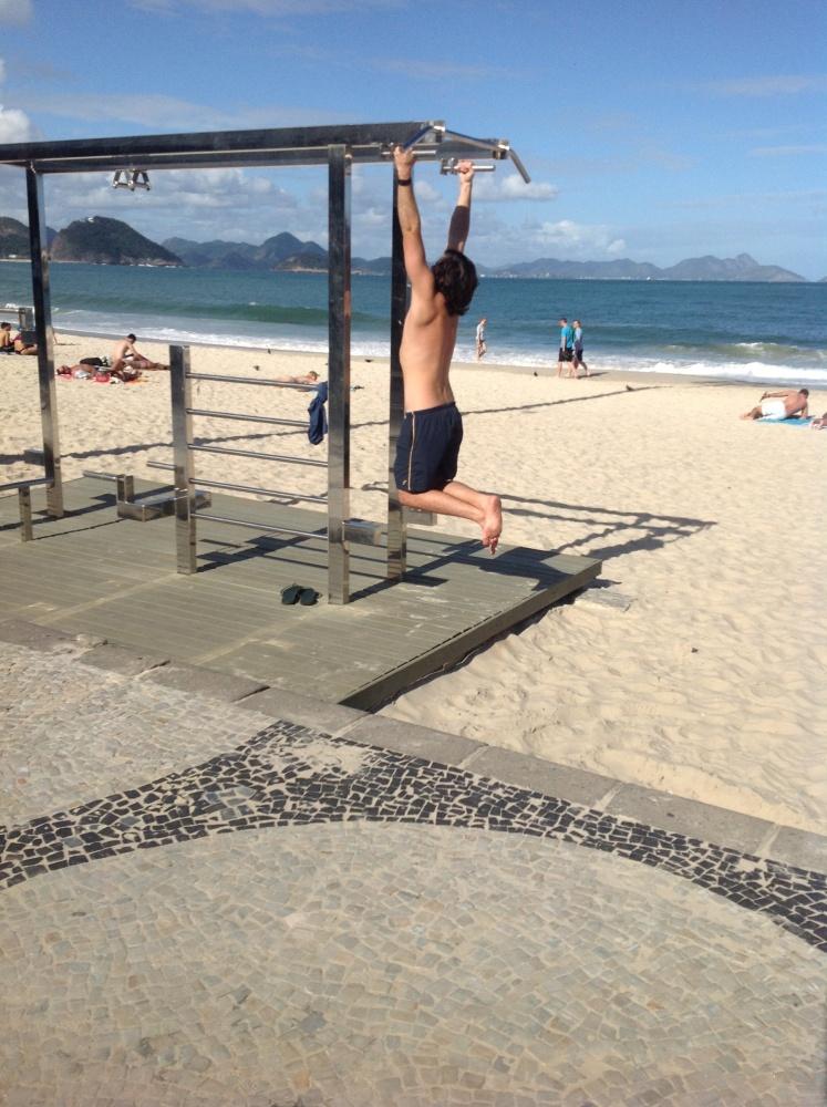 Chasing A Fine Arse in Rio (2/4)